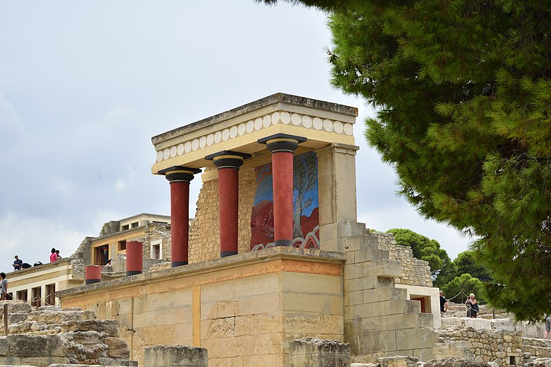 800px Knossos palace - from Wikimedia Commons